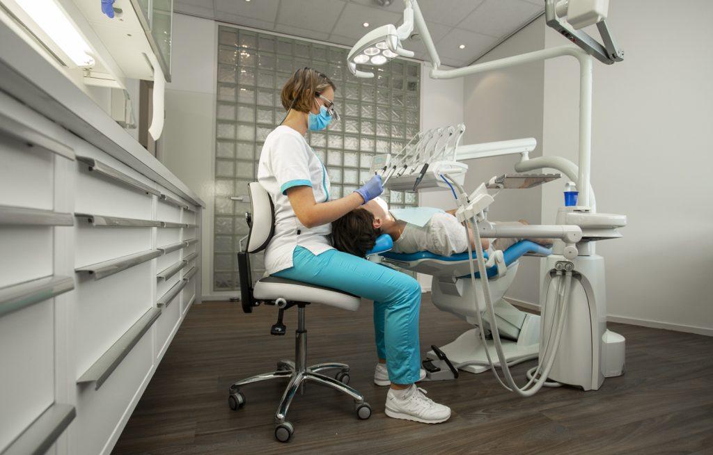 Krzesla ergonomiczne dla stomatologow